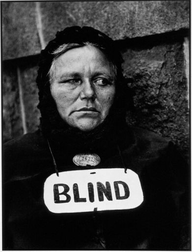 paul-strand-blind-woman-new-york-1393307049_b