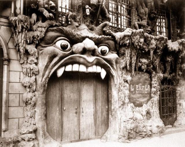 http://oscarenfotos.files.wordpress.com/2012/06/eugene_atget_cabaret_infierno.jpg?w=640&h=508